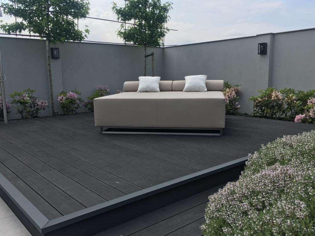 circular garden lounger